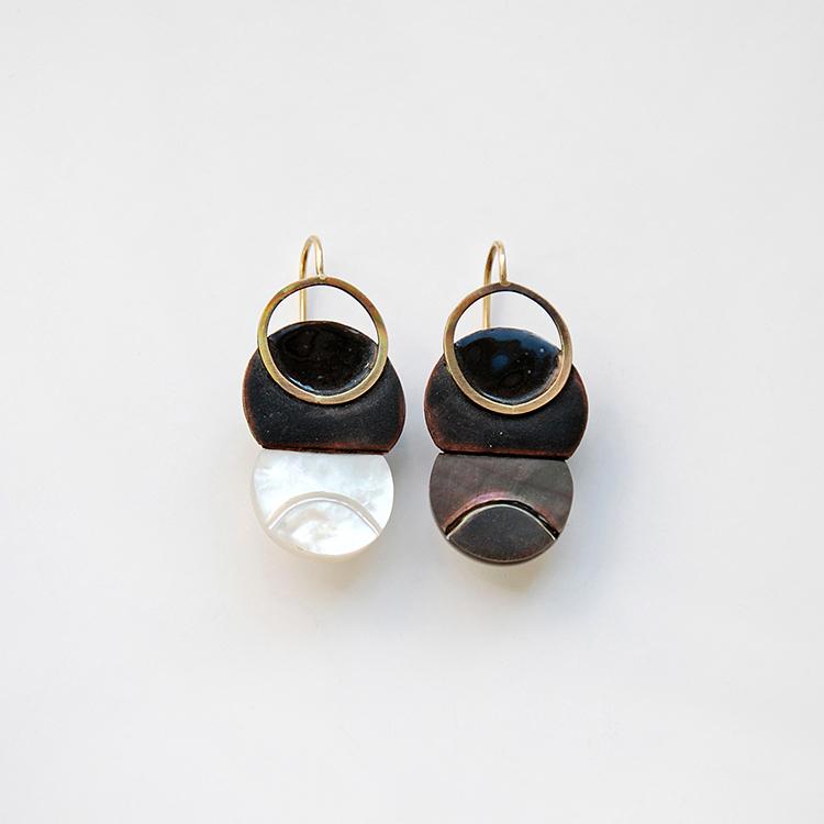 galerie door contemporary fine art and art jewellery Danni Schwaag