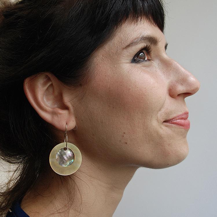 Galerie Door contemporary art and contemporary fine art jewellery Danni Schwaag