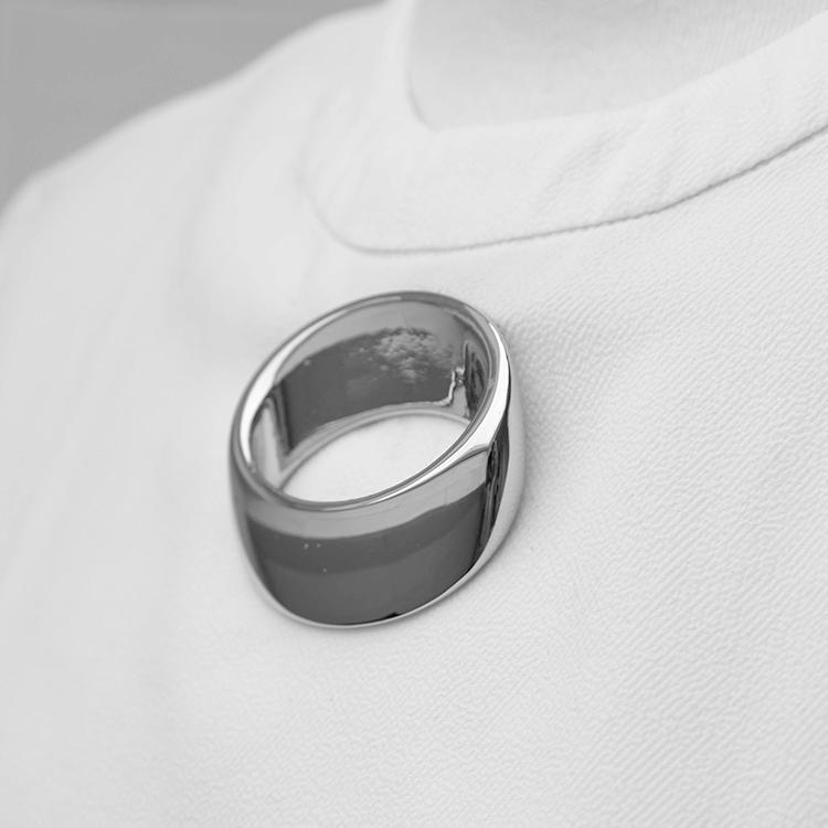 galerie-door-hartog-hennemam-basic-ring-brooch-chroom
