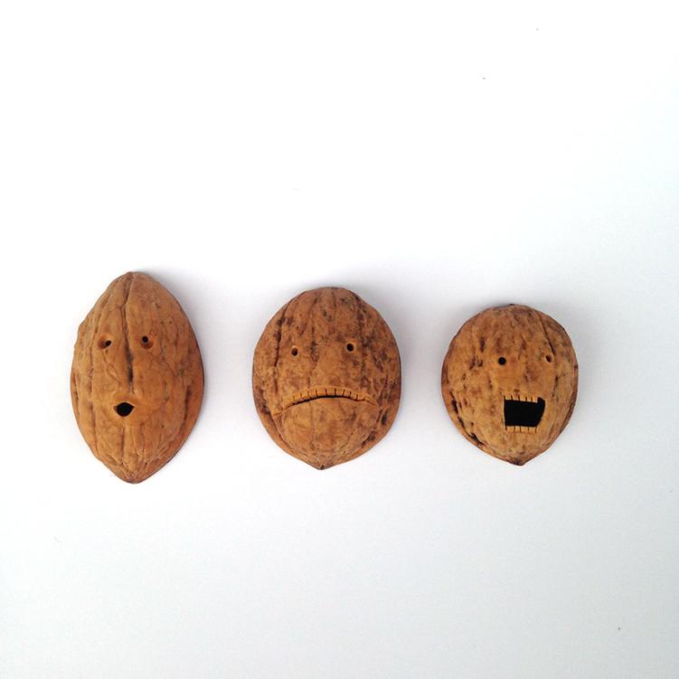 hartog & henneman, are you nuts?, 2018 - 2020, walnut, wood, magnet - photo by hartog & henneman
