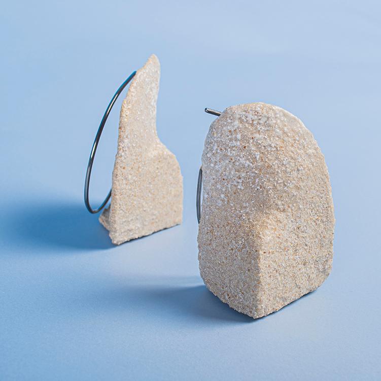 Galerie Door contemporary art and contemporary fine art jewellery Jean Lin