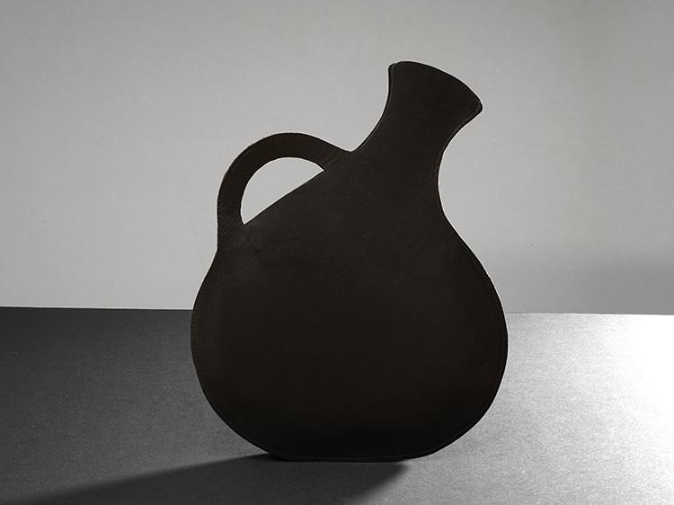 galerie-door-maria-hees-amphora-tas-a
