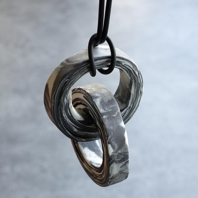 Galerie Door contemporary art and contemporary fine art jewellery Maria Hees