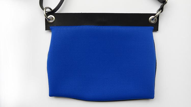 galerie-door-maria-hees-strip-blauw