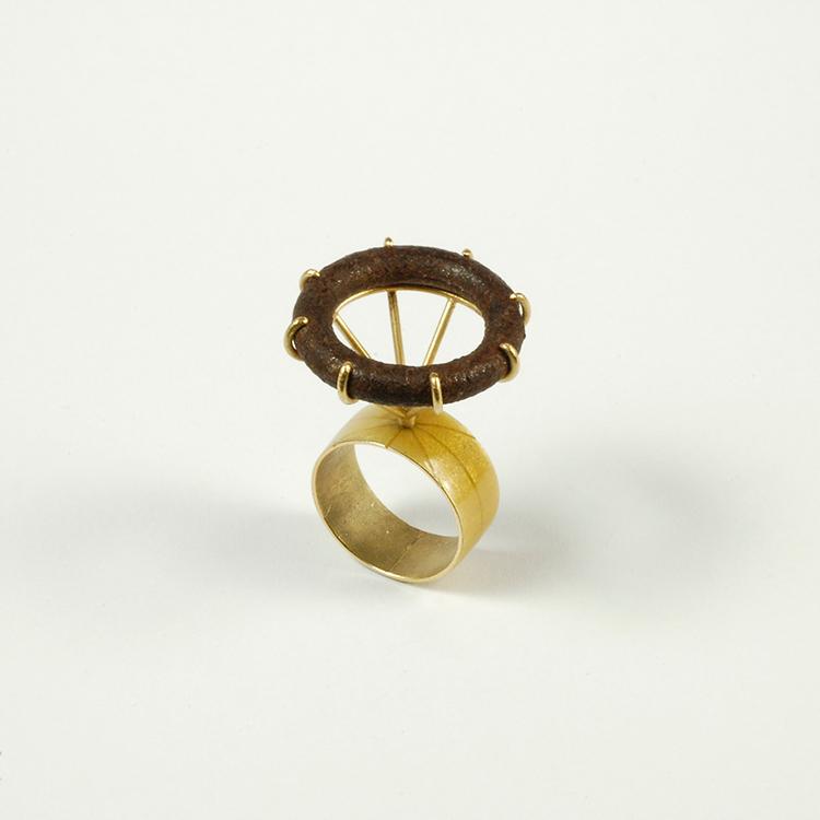 Galerie Door contemporary art and contemporary fine art jewellery Philip Sajet