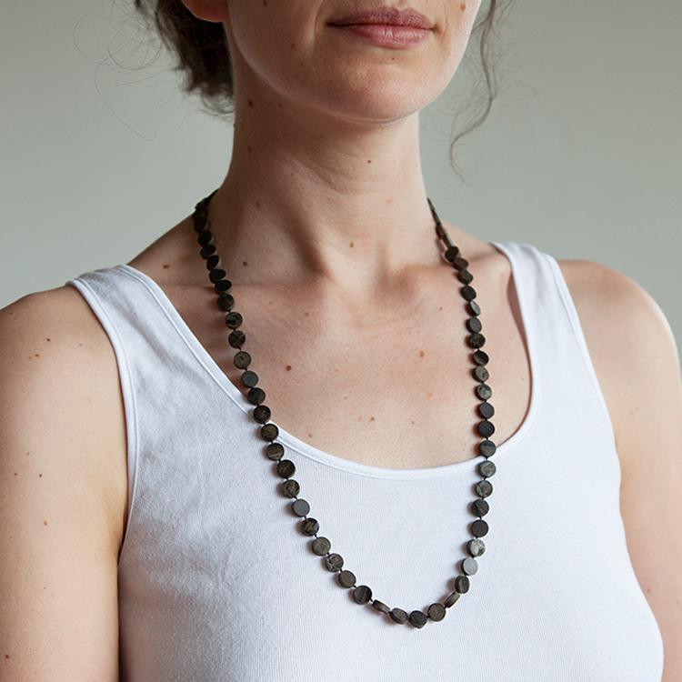 Galerie Door contemporary art and contemporary fine art jewellery Sarah Powell