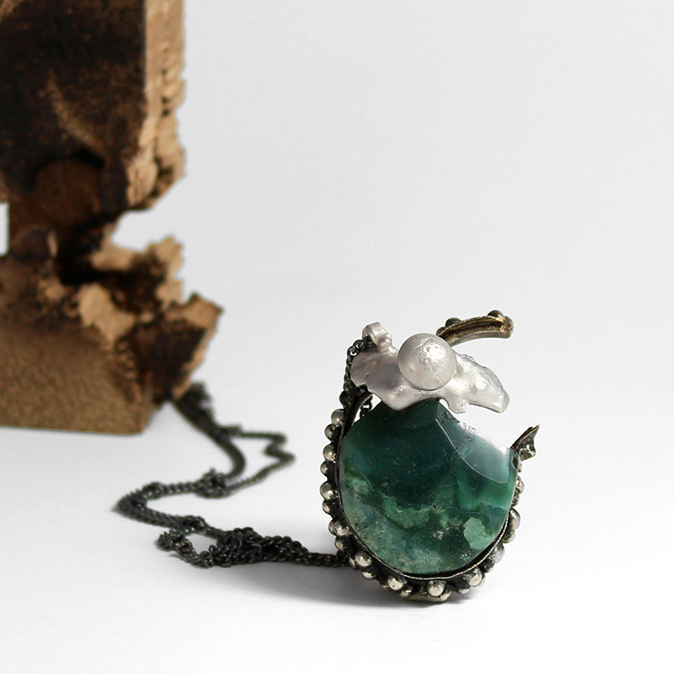 Galerie Door contemporary art and contemporary fine art jewellery Taehee In