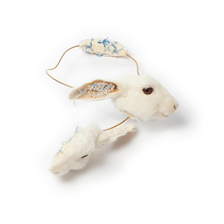 Idiots (Afke Golsteijn, Floris Bakker),  The Bunny Collection, 2012-2013, necklace, taxidermy rabbit (waist from meet industy), brass, felt, silk, pearls,  410 x 270 x 100 mm, photo: Afke Golsteijn