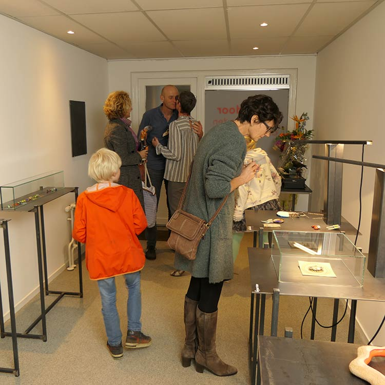 opening galerie door entrance galerie door contemporary fine art and art jewellery